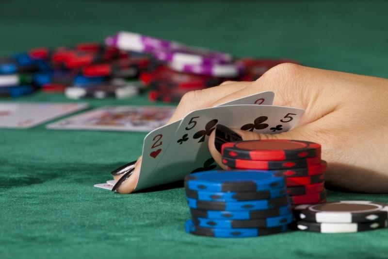 Pelijätti sulkee suositun pokeriverkostonsa