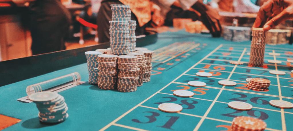 Suomen ja Alankomaiden peliviranomaiset kritisoivat peliyrityksiä